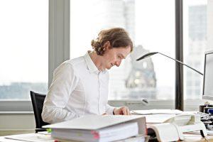 wirtschaftsrecht-berlin-haftungsrecht-vertragsrecht-versicherungsrecht-unternehmenshaftung